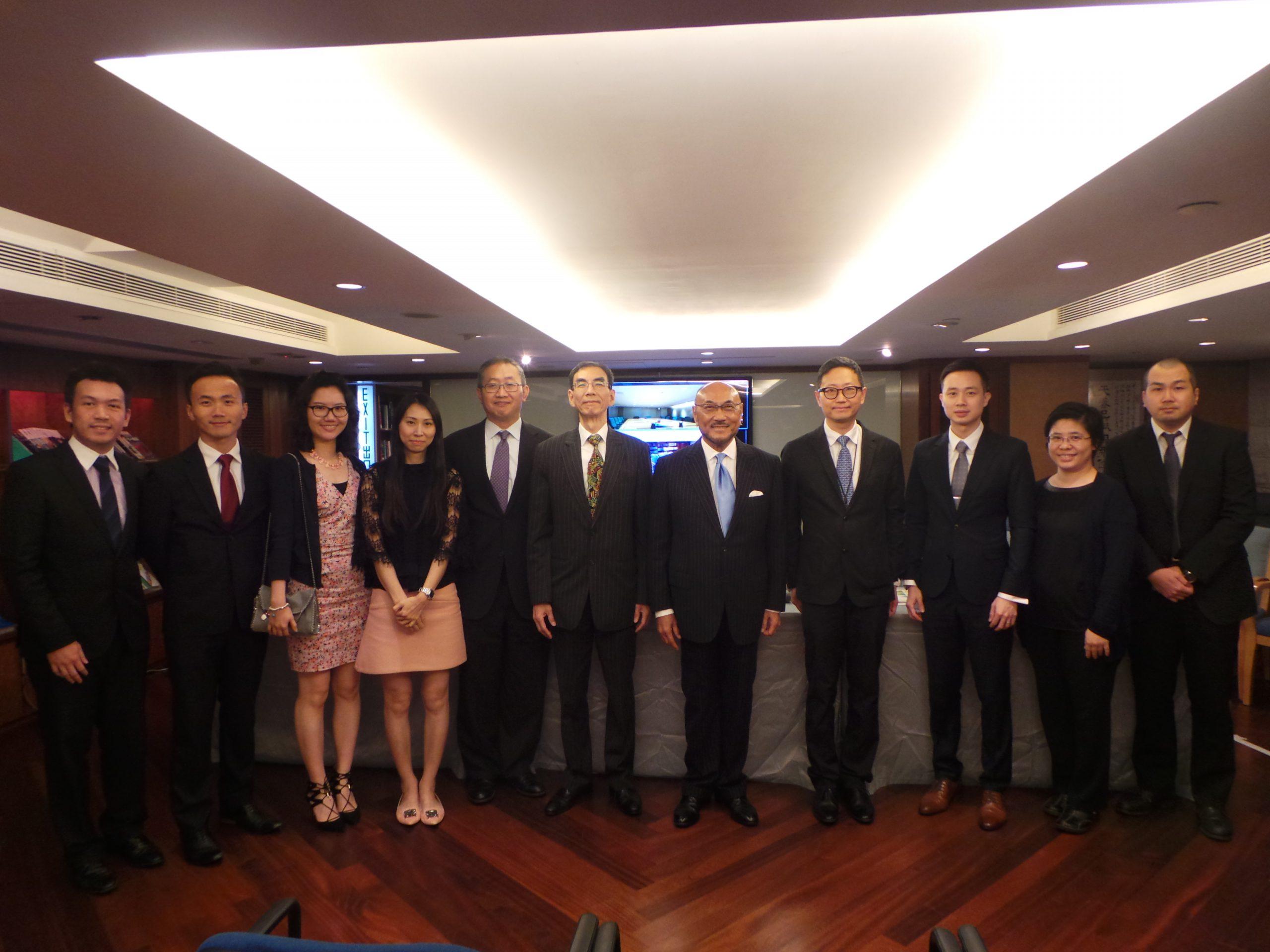 本行高級合伙人簡家驄律師於2016年5月26日榮獲香港律師會錄入榮譽律師名冊